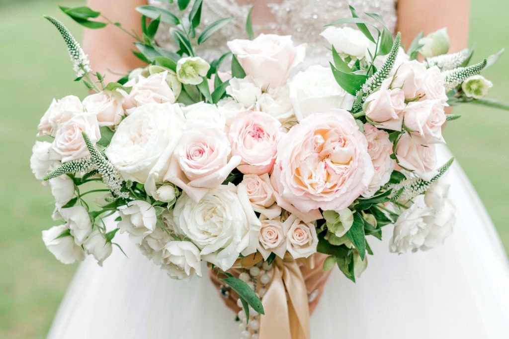 Wedding Minister Flower Bouquet (Image)